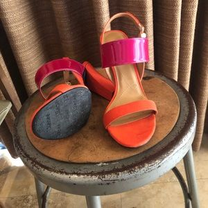 J RENEE 9.5 EMBERLEY BLOCK HEEL Orange fuchsia